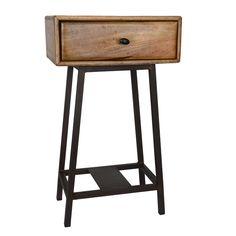 Lekkert nattbord med 1 skuff. Behandlet massivt mørk brunt tre, på solide ben av matt sort stål. h70 x b40 x d30cm Volum skuff: 34,5 x 9×5 x 24,5cm = 8L