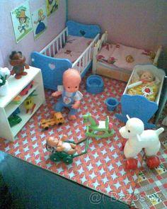 Retro byteček vybavený a s panenkami - 1