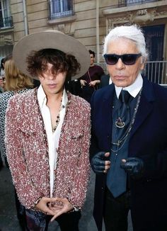G-Dragon with Karl Lagerfeld at Chanel S/S 2015 Fashion Show in Paris