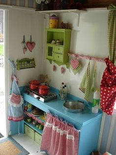 kitchen for girls this would be sooo cute up in a tree house!) kitchen for girls this would be sooo cute up in a tree house! Play Kitchens, Kids Play Kitchen, Kitchen Sets, Outdoor Play Kitchen, Girls Playhouse, Backyard Playhouse, Cubby Houses, Play Houses, Playhouse Interior