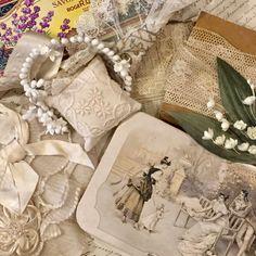 今日も一日、ありがとうございました。 あさって、木曜日もどうぞよろしくお願いします。 . 気になるものありましたら、ご遠慮なく、DMから、お気軽にお問い合わせくださいね✨ . 右下 ドラジェbox sold . #okinawa#instagood#box#franceantique#アンティーク#antique