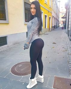Porn Muscle women in legging