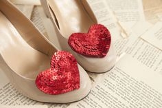 DIY Valentines Day heart shoe clips. Really easy, no sew. Saw this on Modcloth. So cute!