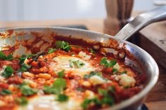 Shakshuka Low Carb Keto, Feta, Macaroni And Cheese, Health Fitness, Soup, Ethnic Recipes, Mac And Cheese, Soups, Fitness