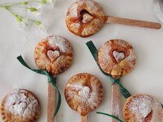 Pastelitos de Ruibarbo y Fresas - QueRicaVida.com