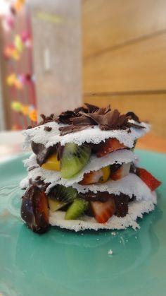 Mil folhas de tapioca com chocolate e frutas