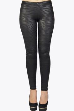 Wow this legging has the best of two trends in just one item!! The legging has a beautiful black leather look AND a sexy zebra print on it.. Wear it with one of our great dresses or our long off shoulder tops. Your pick!  #2dayslook #trousers #leggings  www.2dayslook.com