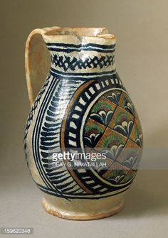Foto stock : Pitcher with peacock's eye decoration, ceramic, Florence, Tuscany, Italy, 15th century
