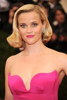 Pin for Later: Stunning Beauty Looks From the 2014 Met Gala Reese Witherspoon Pink lip, pink dress, curls: Reese was true to the Charles James theme for the night. Reese Witherspoon, Celebrity Hairstyles, Hairstyles Haircuts, Hair Dos, My Hair, Red Carpet Hair, Hair Heaven, Dapper Day, Sexy Older Women