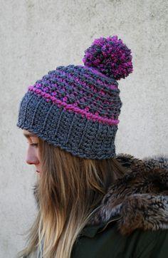 Ciepła czapka z pomponem rozm uniwersalny w Barabella_shop na DaWanda.com