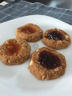 Biscoitos sem glúten de castanha do Pará, aveia e geleia! Receita no blog!!