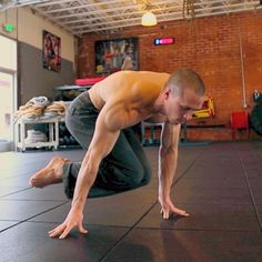 """""""Tuck planche hip sway. This a fantastic movement for helping you progress with the planche. Try it with  hands flat on the floor first, and then work your…"""""""