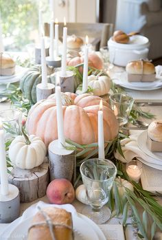 See my favorite farmhouse fall decor ideas. Part one is all about fall home decor inside. On a table or in a three-tier stand. DIY fall decor for anyone! Thanksgiving Table Settings, Thanksgiving Tablescapes, Thanksgiving Decorations, Seasonal Decor, Rustic Thanksgiving, Hosting Thanksgiving, Autumn Party Decorations, Pumpkin Table Decorations, Fall Table Settings