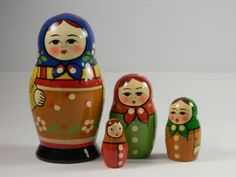 Matpewka-Matryoshka-Russian-Nesting-Dolls