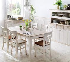 Esszimmer Göteborg | Das in weißer Kiefer gehaltene Esszimmer verzaubert mit einer beeindruckenden Ausstrahlung und versprüht einen ländlichen Charme in deiner #Essecke. #Landhausstil #Landhaus #MoebelLETZ