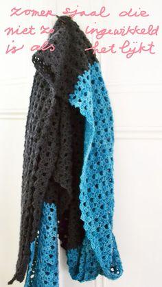 Een mooie opengewerkte steek voor een zomerse sjaal. Het patroon is duidelijk uitgelegd. Lees snel meer over het gratis Nederlandse haakpatroon.