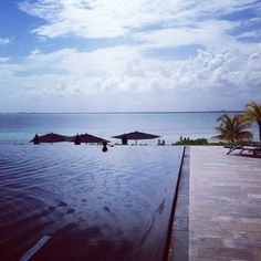 Where in the WORLD is OSM's Editor-in Chief, Rona Berg? She is spending a few days in paradise while working on her next travel piece! #tellus  www.organicspamagazine.com
