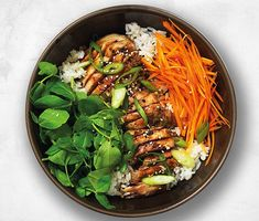 How to make wagamama's ramen, donburi and gyoza wagamama have revealed their secrets and told us exactly what goes into some of their most popular dishes. As the cold weather creeps in, a hearty bowl of wagamama's ramen, chicken teriyaki donburi or chicken gyoza can really hit the spot, and with these recipes, you don't even have to leave the house. Wagamama Ramen Seasonal greens with prawns, crabstick, tofu and chicken. 150g (5oz) firm tofu Vegetable oil, for frying 250g (9o...