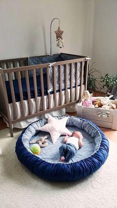 pl kącik malucha, mata do zabawy, poduszka gwiazda, zestaw pościeli, skrzynia na zabawki Quilt Baby, Baby Bedroom, Baby Room Decor, Baby Play, Baby Toys, Eco Bebe, Baby Bumper, Baby Sewing Projects, Baby Pillows