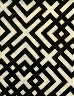 Geometric black and white pattern from Russell Busch set | Luli Sanchez