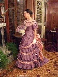 Victorias Enkel - Frühe Tournüre Ball- und Dinerkleider