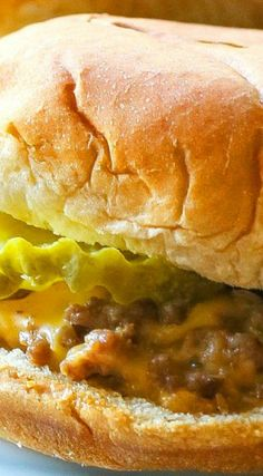 These White Castle Sliders are a copycat version of the famous sandwich. Peanut Recipes, Hot Dog Recipes, Beef Recipes, Sandwich Recipes, Yummy Appetizers, Appetizer Recipes, Snack Recipes, Snacks, Ham Cheese Sliders