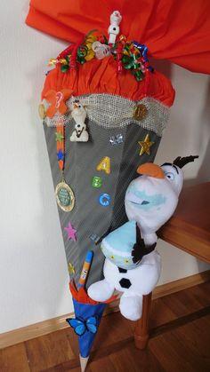 Inspiration für den Schulanfang und die Einschulung: Schultüte Zuckertüte Junge Olaf Frozen / inspiration for the first day of school made by Maria's Nähbude via DaWanda.com
