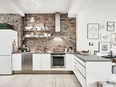 rough brick over the cooking zone is easy to maintain
