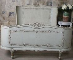 Absolutely love this French Country bed