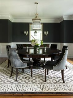 Contemporary Dining Room Design: Round Dining Table To Decorate Your Home Dining Room Design, Dining Room Chairs, Dining Room Furniture, Oak Chairs, Dining Nook, Kitchen Dining, Estilo Hollywood Regency, Black And White Dining Room, Beautiful Dining Rooms