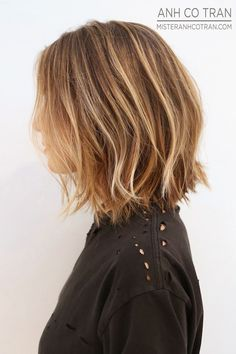 Le Fashion Blog Haircut Inspiration The Perfect Wavy Bob Via Mister Anh Co Tran Left Side Texturized Beach Waves Highlights Balayage Bright ...