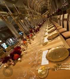 How to host a glamorous gala learning from the best! Custom made gold dinneware design by Glass Studio for the Grand Banquet at The Venetian, Las Vegas #Fundraising #Gala #TableSetting #Gold #Luxurious #Custom