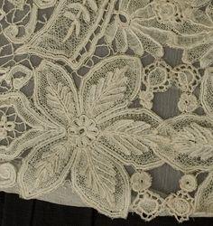 Antique lace at Vintage Textile: #7130 Honiton lace panel