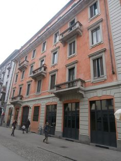 Penny In Wanderland: Με παγωτό στο χέρι στη γειτονιά του Navigli στο Μι... Wanderland, Multi Story Building, Italy, Italia
