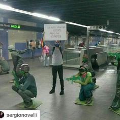 """#Repost @sergionovelli (@get_repost)  """"De niños eran mis héroes. Ahora me reprimen"""" protesta silenciosa en El Metro. De 2014 pero cabe perfecto para este momento!"""