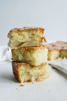 cinnamon spiced pear cake