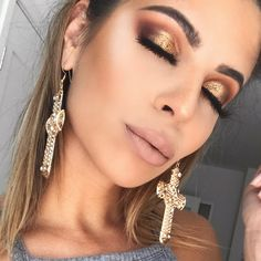 gold look by Laura Lee using the Jaclyn Hill Morphe Palette