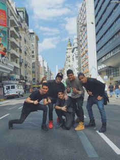cnco en nueva york Twenty One Pilots, Cnco Band, Memes Cnco, Beautiful Men, Beautiful Pictures, Cnco Richard, Five Guys, Latin Music, Fan