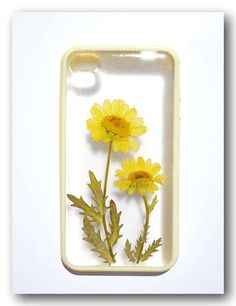 Anny's Workshop Offers Cases Made with Real Flowers #phonecase #smartphone trendhunter.com
