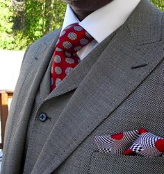 Birdseye 3 piece suit, Jacquard woven tie and hanky.