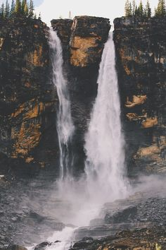 Twin Falls in the Yoho National Park. Yoho National Park is located in the Canadian Rocky Mountains along the western slope of the Continental Divide in southeastern British Columbia. Yoho National Park, National Parks, Beautiful World, Beautiful Places, Parque Natural, Twin Falls, Les Cascades, Adventure Is Out There, Oh The Places You'll Go