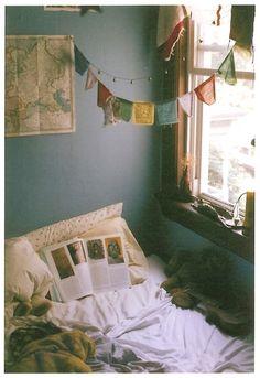 Enchanting College Bedroom Design Ideas With Outdoor Reading Nook Dream Rooms, Dream Bedroom, Home Bedroom, Bedroom Decor, Chambre Indie, Indie Bedroom, Bohemian Bedrooms, Cozy Room, Aesthetic Bedroom