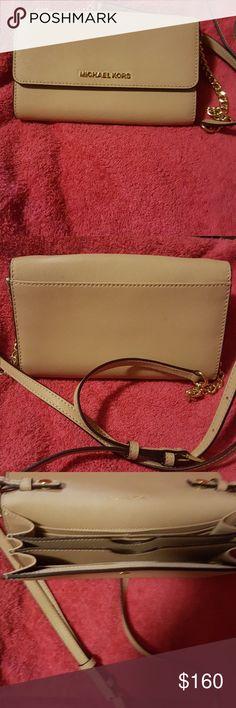 Michael MICHAEL KORS CLUTCH Michael KORS LARGE CLUTCH with optional Crossbody strap.  Perfect gift MICHAEL Michael Kors Bags