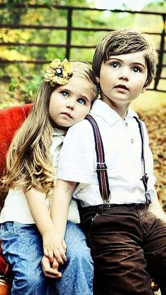 Another cute bro/sis pose Sibling Photography, Children Photography, Photography Ideas, Sibling Photos, Family Photos, Sister Photos, Love Pictures, Cute Photos, Romantic Pictures
