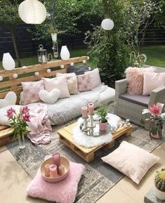 Rustic farmhouse styles and decor ideas rustic living and ho Outdoor Rooms, Outdoor Living, Outdoor Furniture Sets, Outdoor Decor, Rustic Furniture, Antique Furniture, Modern Furniture, Affordable Furniture, Furniture Decor