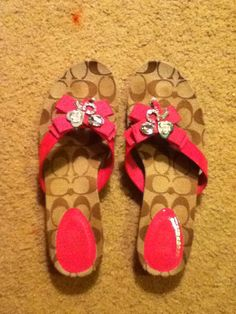 Coach shoes want! Discount Coach Bags, Coach Bags Outlet, Flip Flop Shoes, Flip Flops, Coach Outfits, My Style Bags, Cheap Coach, Handbag Stores, Coach Purses