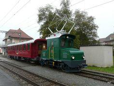 CJ - Te 504 und Personenwagen B 763 in Le Noirmont am Old Steam Train, Electric Locomotive, Locs, Trains, Paths, Switzerland, Law School, Model Train, Goddess Braids