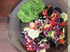 Sarac in calorii, dar bogat in micronutrienti, broccoli este una dintre legumele care nu ar trebui sa ne lipseasca din alimentatie. Calitatile nutritionale incontestabile si virtutile terapeutice ale broccoli, il recomanda spre consum in scopul diminuarii riscurilor unor afectiuni grave, precum cancere sau maladii cardiovasculare.    Broccoli face parte...