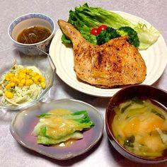 鶏の足のソテー、 ガゴメ、 サラダ、 うるいの酢味噌和え、 野菜のお味噌汁 です。 - 18件のもぐもぐ - お肉が食べたかったから 鶏の足(≧∇≦) by orieueki