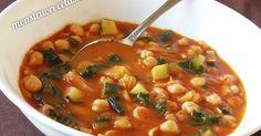Receta de sopa de tomate con garbanzos y otros vegetales. Plato caliente y nutritivo de fácil y rápida elaboración.